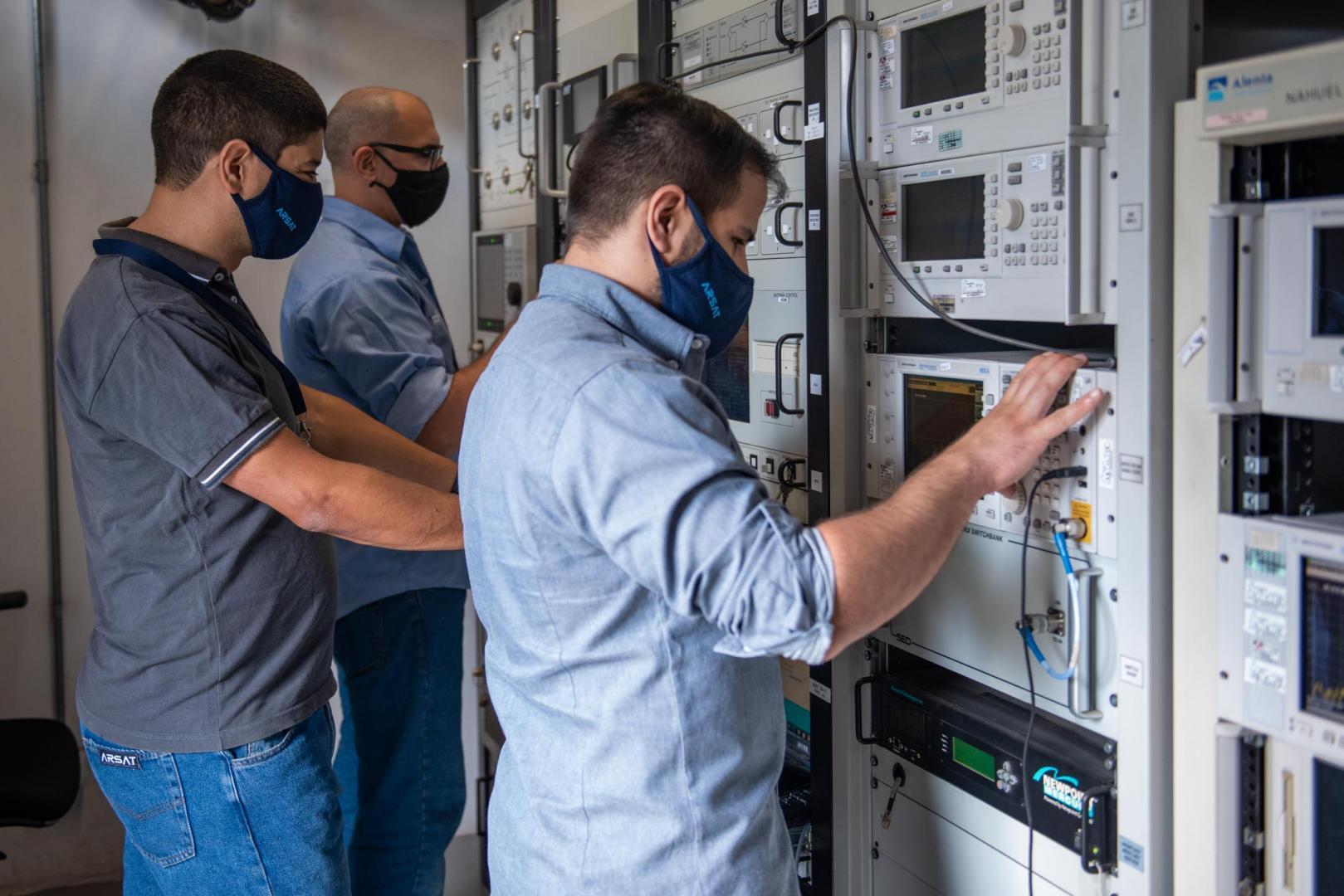 Acuerdo con TELESAT por servicio de transferencia de órbita