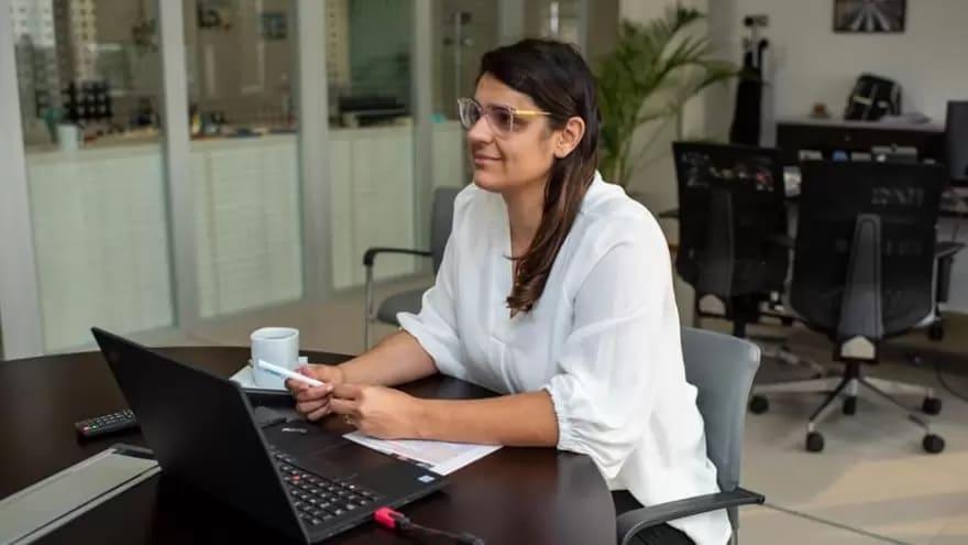 """Anabel Cisneros, de ARSAT: """"Estamos trabajando en achicar la brecha de géneros"""" // Realpolitik"""